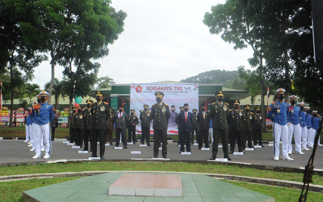 AKMIL PERINGATI HUT KE-76 TNI SECARA VIRTUAL DARI ISTANA MERDEKA