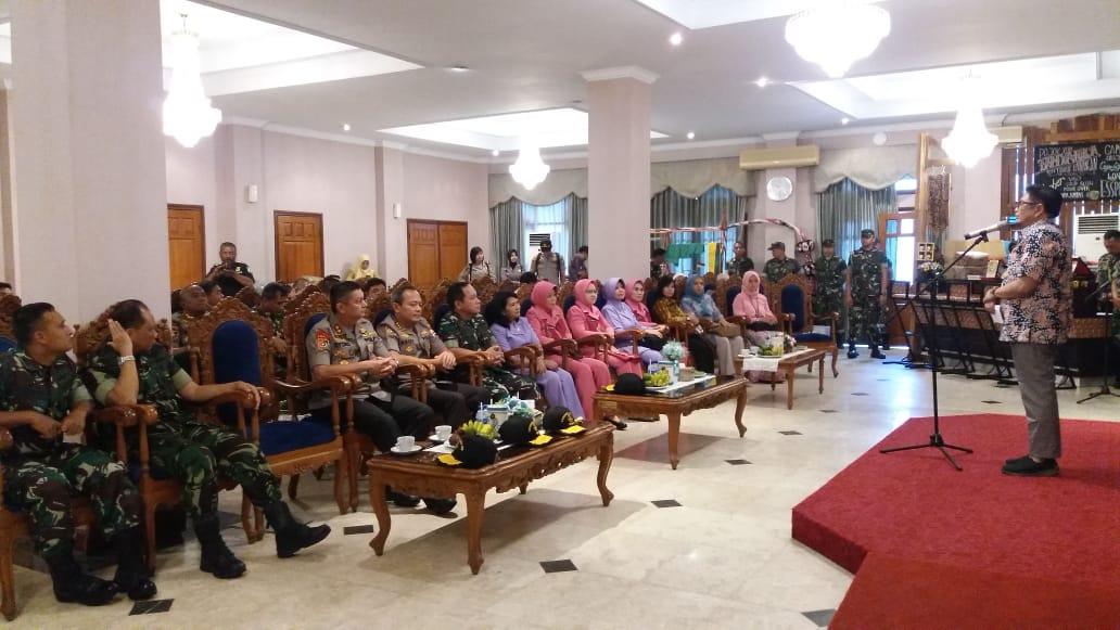 DANJEN AKADEMI TNI TINJAU SATLAT MACAN  DI KAB JEMBER JAWA TIMUR