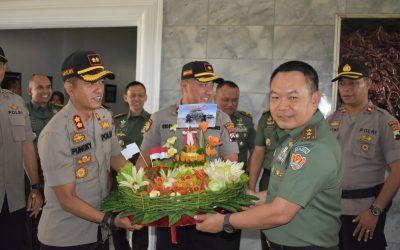 Datangi Akmil, Polisi Magelang Ucapkan HUT TNI ke-74
