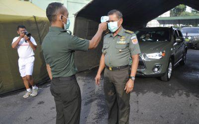 Antisipasi Corona Akmil Semprot Cairan Disinfektan di Pintu Masuk Kesatrian