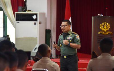 Pengarahan Gubernur Akmil kepata Taruna Tk. IV